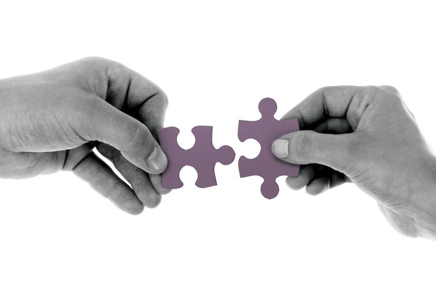 Junção de 2 Peças de Puzzle